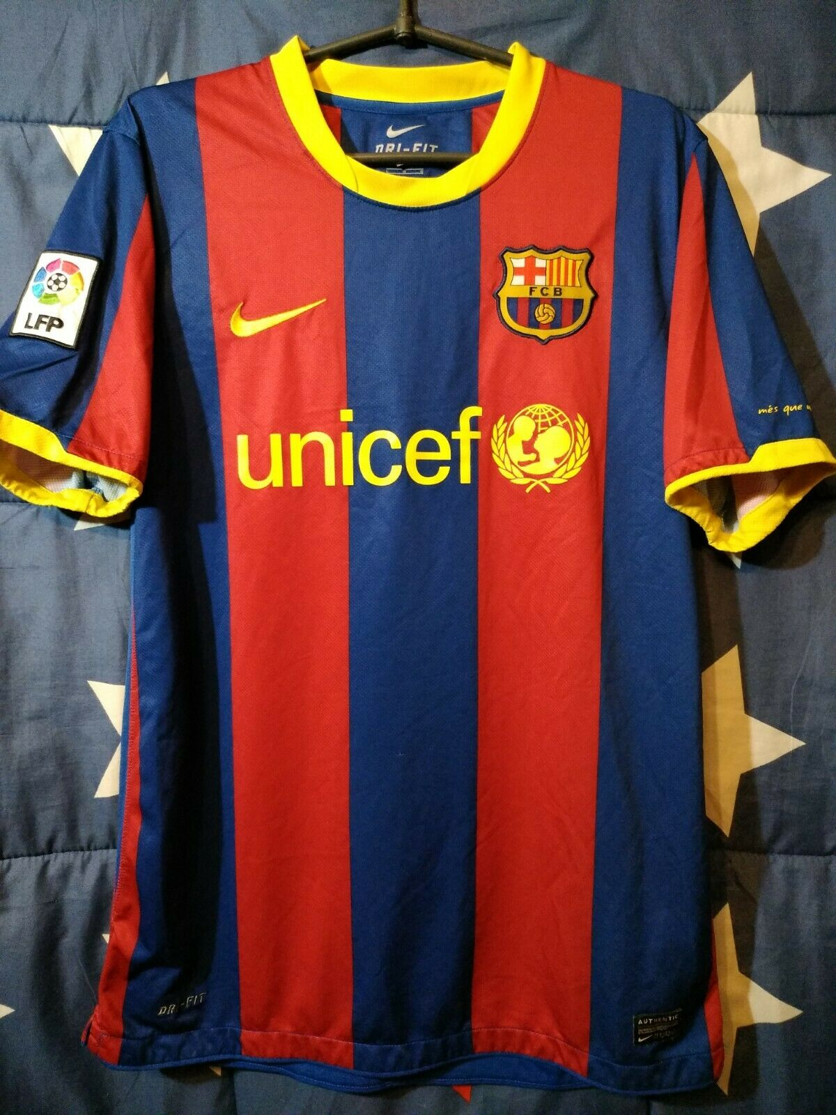 Größe L Barcelona Spain 2010-2011 Home Football Shirt Jersey