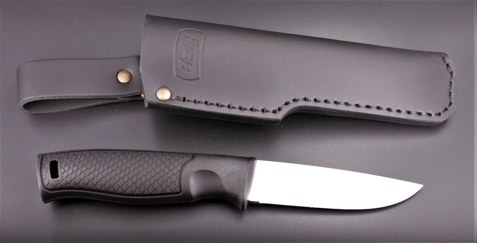 Knife Brisa Hiker 95 Flat with Plastic Handle and Leather Sheath