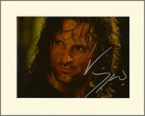 VIGGO MORTENSEN ARAGORN LORD OF THE RINGS PP 8x10 MOUNT SIGNED AUTOGRAPH PHOTO
