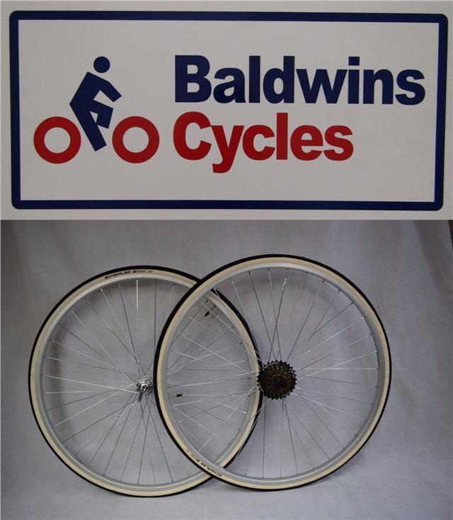 27  x 1 1 4 PAIR Q R Bike Wheels + Premium White Wall Tyre's & 7 Speed Freewheel