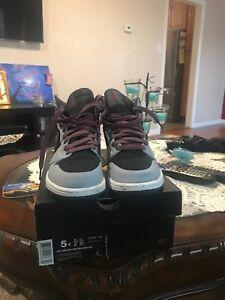 15b3ea896cfb8 Nike Girl's Air Jordan 1 Retro High Basketball Shoe (332148 009) | eBay