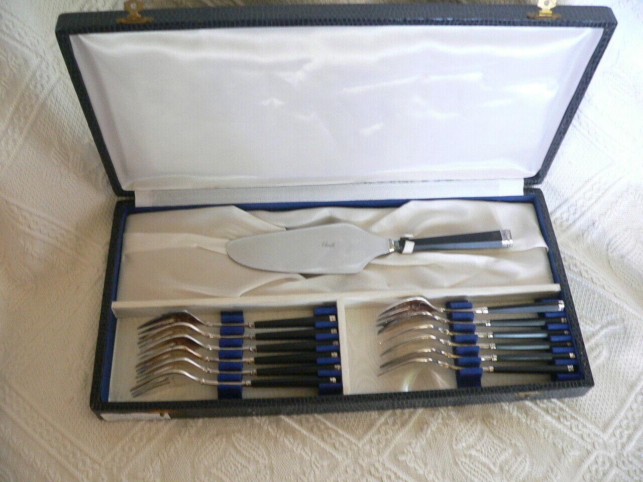 Rare superbe servisse à gateau en métal argentoé SFAM neuf modellolo tentation