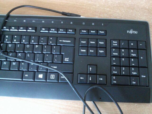 Fujitsu KB900 USB US  Model S26381-K560-L402 USB Keyboard Black refurbished