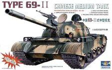 Trumpeter 1/35 Chinese Medium Tank Type 69-II Motorized 304