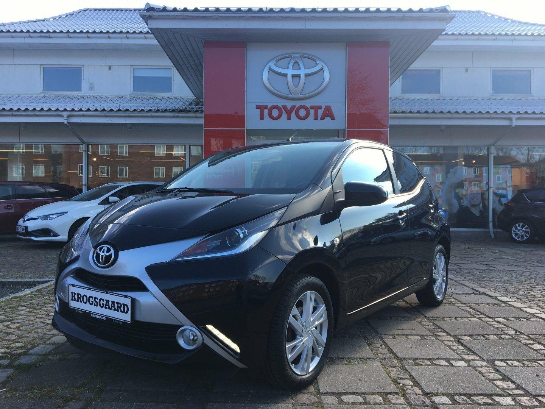 Toyota Aygo 1,0 VVT-i x-black II 5d - 84.900 kr.