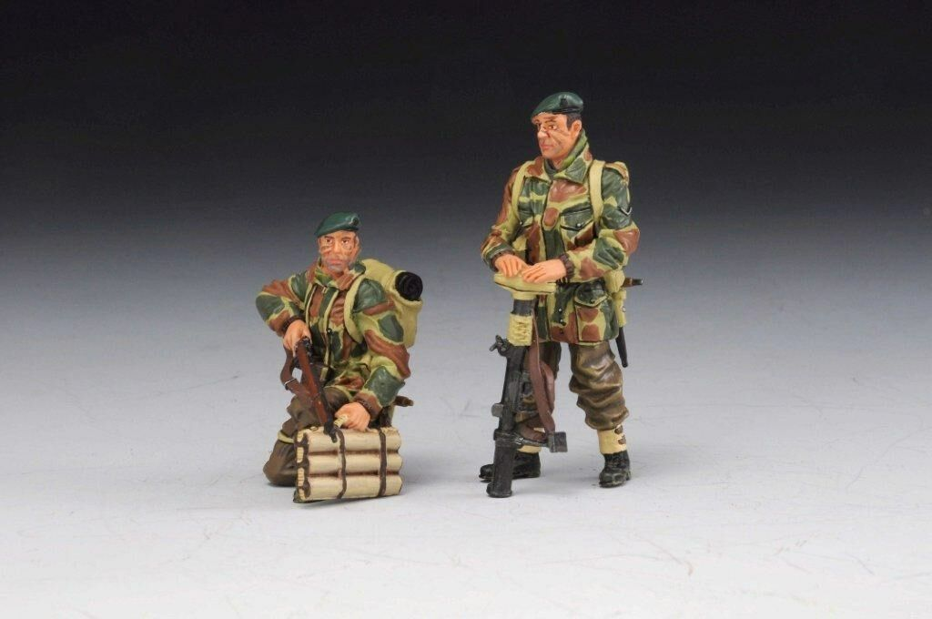 Thomas Gunn  COMM004B - Two British Tank Riders (Part 1), Commando Version