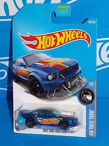 Hot Wheels 2017 HW Race Team Series #280 2005 Ford Mustang Blue w/ MC5s 680044961552