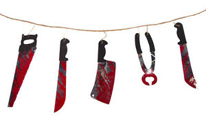 Girlande-blutiges-Werkzeug-Tolle-Deko-zu-Halloween-Halloween-Deko