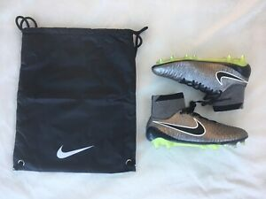 Nike-Magista-Obra-FG-silber-schwarz