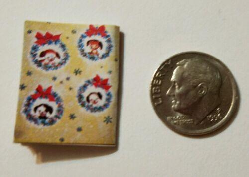 Miniature dollhouse Christmas  book Barbie 1//12 Pokey Poky Puppy Green