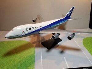 FLIGHT-MINATURE-ALL-NIPPON-AIRWAYS-747-200-1-250-SCALE-PLASTIC-SNAPFIT-MODEL