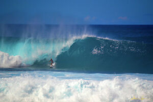 fbfba696411301 Kelly Slater surfing Banzai Pipeline on the North Shore of Oahu ...