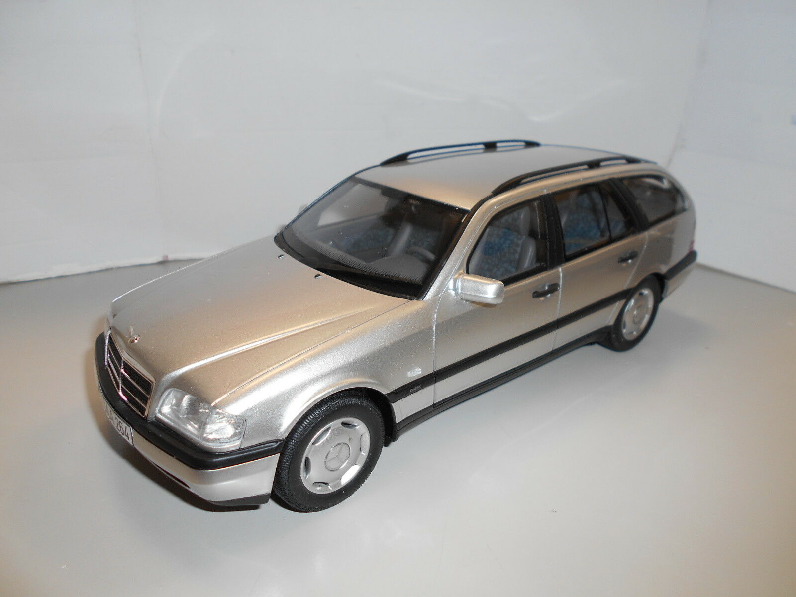 BOS029 by BOS MODELS MERCEDES-BENZ C220 T-MODELL 1 18