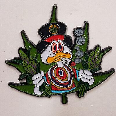 WEED POT MARIJUANA HP052 BRAND NEW ALICE WITH JOINT SMOKE ME HAT PIN