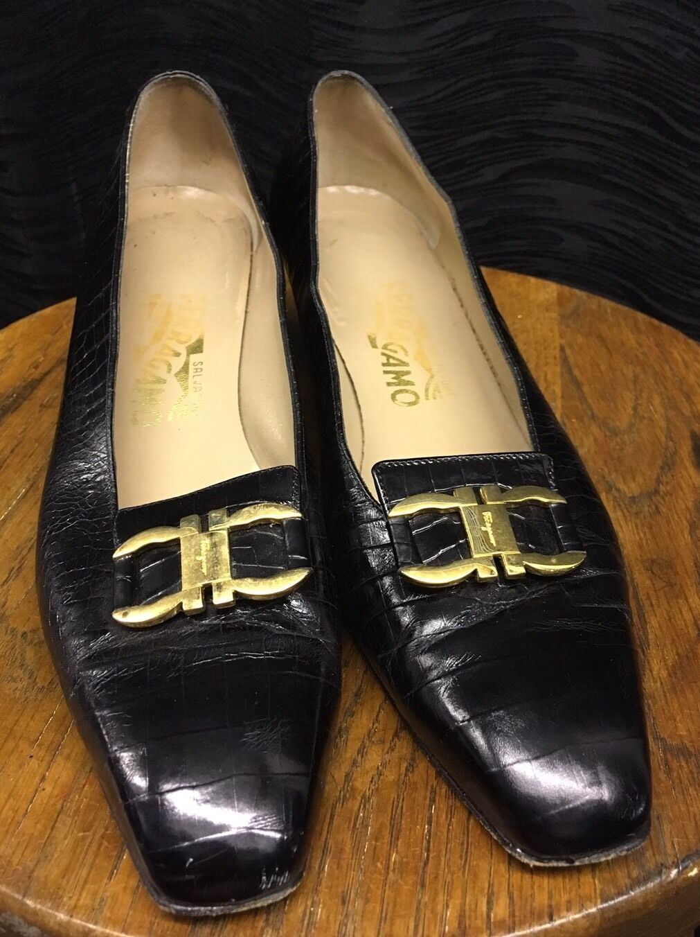 SALVATORE FERRAGAMO BLACK Crocodile Leder Horsebit Brass Buckle Pumps Sz 9 AA