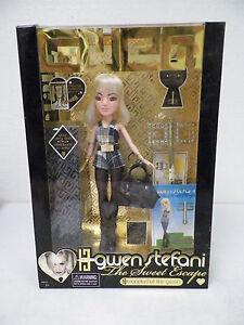 Gwen-Stefani-Sweet-Escape-10-034-Wonderful-Life-Gwen-Fashion-Doll-SENT-FROM-UK