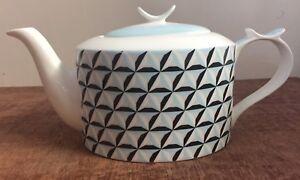 Jameson-Tailor-Navy-Light-Blue-and-Cream-Porcelain-Teapot-BNIB-Blue-Teapot