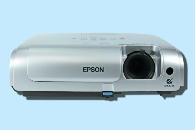 Epson EMP-S4 LCD Projector