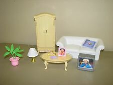 BARBIE LIVING ROOM FURNITURE white sofa coffee table armoire TV lamp accessories