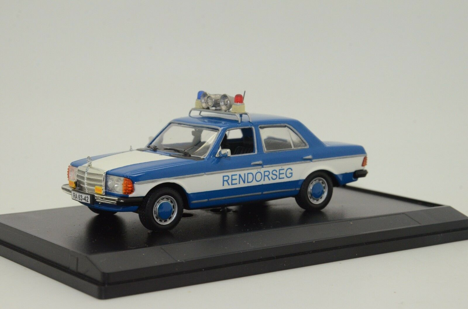 sin mínimo    rara      Mercedes W123 rendorseg rendőrség Hungría policía Hecho a Medida 1 43  almacén al por mayor