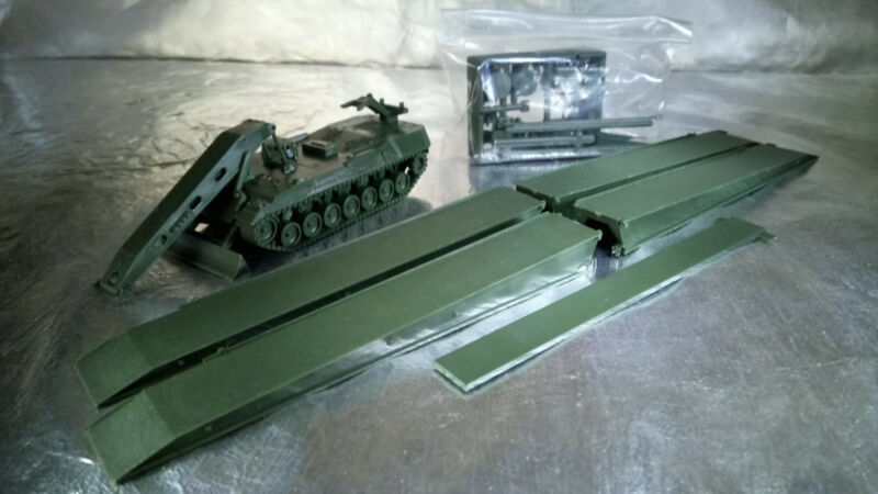 ** Minitank 463  Soldiers Tank Commanders 1:87 HO Scale