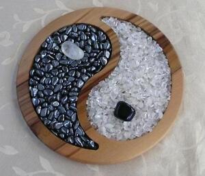 Bergkristall-Haematit-Kristalle-aufladen-entladen-Yin-Yang-Teller-Feng-Shui-Ying