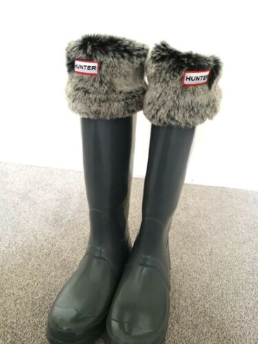 HUNTER Wellie Boots Grey & Furry Socks Grey - Size 4 / EUR 37