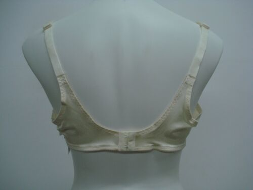 NWT Women/'s Gelmart Full Fashioned Bra Size 44D Ivory #381Q