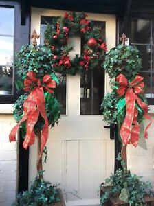 RED CHRISTMAS BAY TREE BOWS WREATH