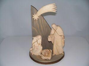 Weihnachtskrippe-Holz-geschnitzt-STALL-MIT-HL-FAMILIE-H-14-5-cm-Krippe-Krippen