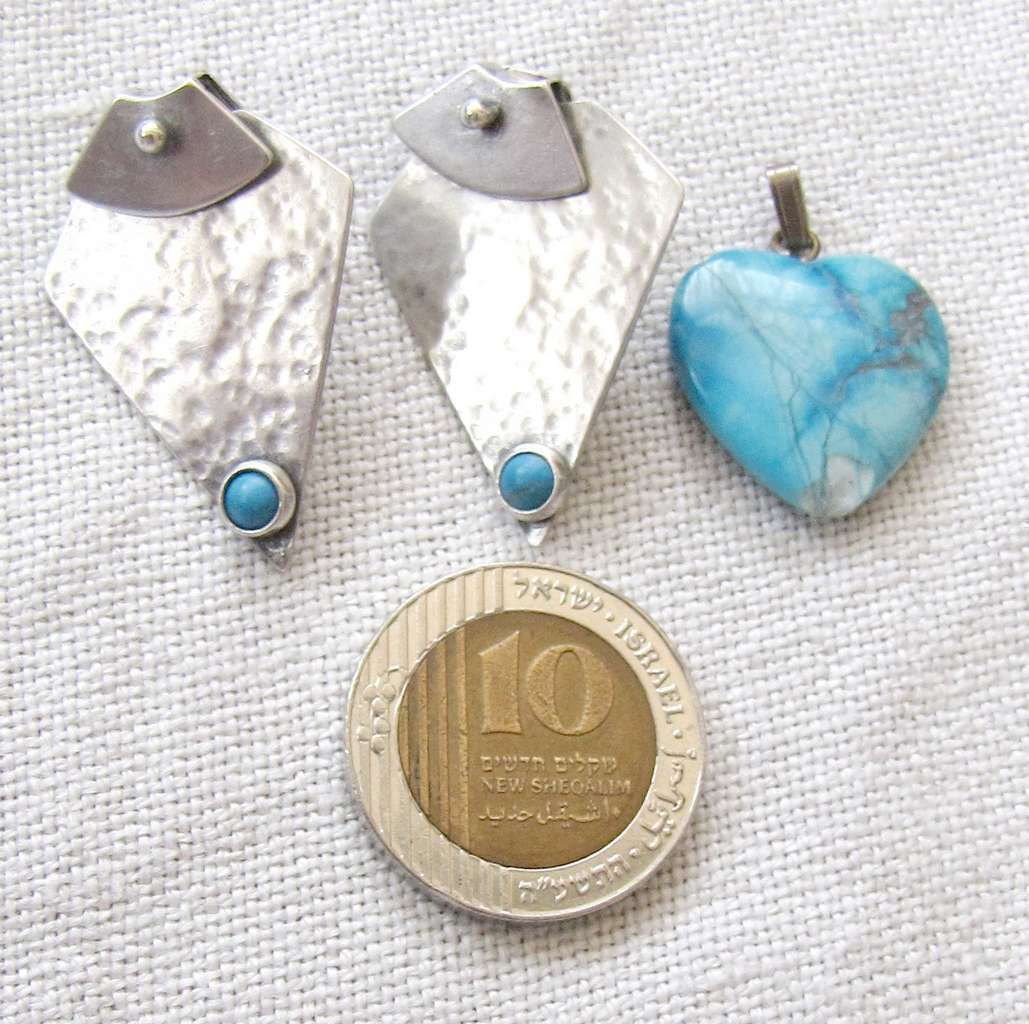 """2 Vintage Jewelry items: silver earrings sign. """"D… - image 8"""