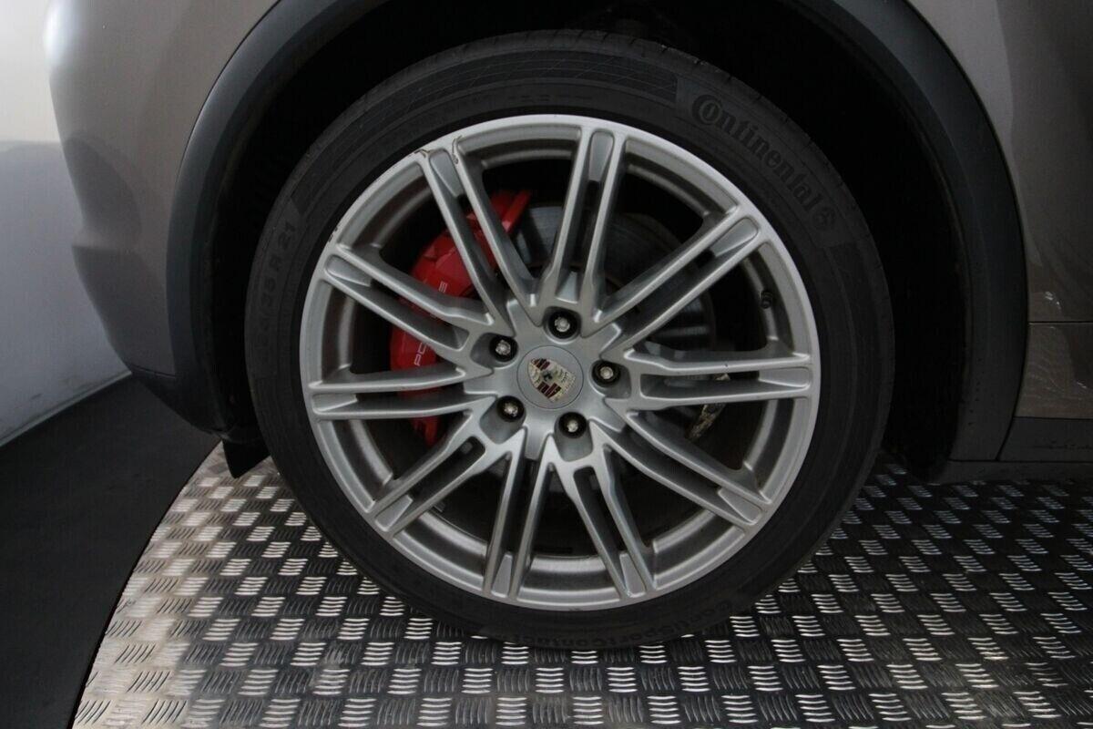 Porsche Cayenne Turbo Tiptr. Van