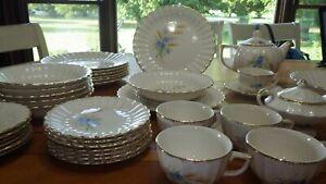 Vintage-Dinnerware-Set-Wheatfield-Fluted-Edge-by-LIMOGES-AMERICAN-Service-6-EUC