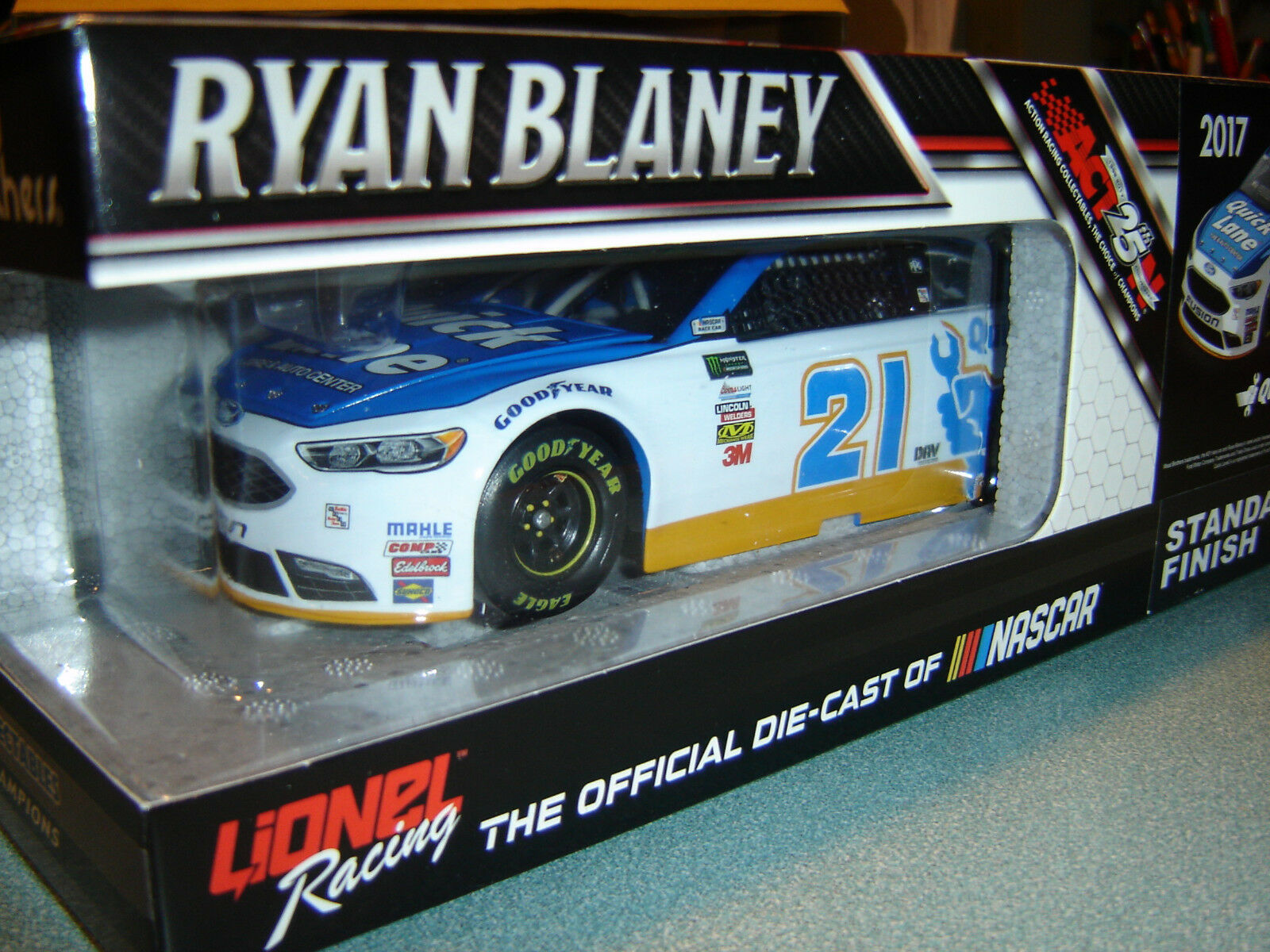 Ryan Blaney  21 Rapide Lane 2017 Ford 1 24 Action Lionel Nascar