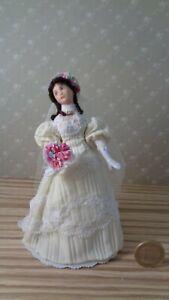 Poupée miniature Ooak Dollhouse Porcelaine à l'échelle 1/12