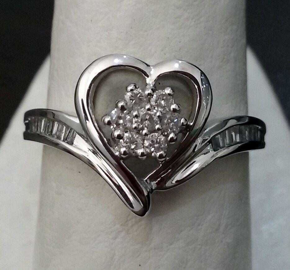 10k White gold Heart Flower Center Diamond Bagette 1 4 ct. Fashion Ring