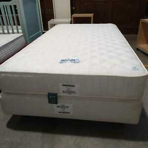 SIMMONS LETTO SOMMIER BOX CON MATERASSO 5 STELLE