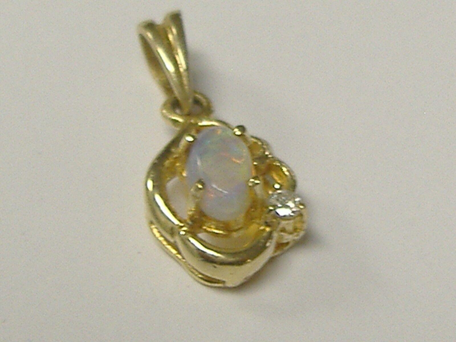 BEAUTY VINTAGE 14K SOLID NATURAL OPAL PENDANT  DIAMOND ACCENT