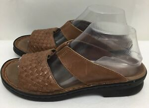 1fbfa3c4138 Image is loading Womens-CLARKS-Brown-Woven-Leather-Wedge-Heel-Sandals-