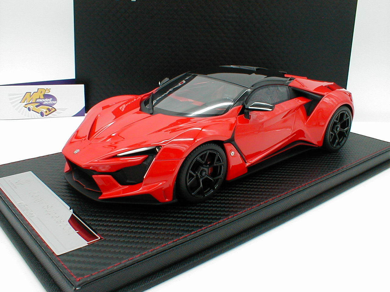 Frontiart sa003-06 - fenyr Supersport W-MOTORS Année de construction 2017 IN  ROUGE-NOIR  1 18