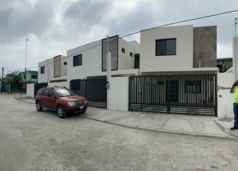 (CERCV21102) Casa en VENTA  Calle Apulia  Col. Roma Info:    Cecilia Morris 833   : 120  :  2302