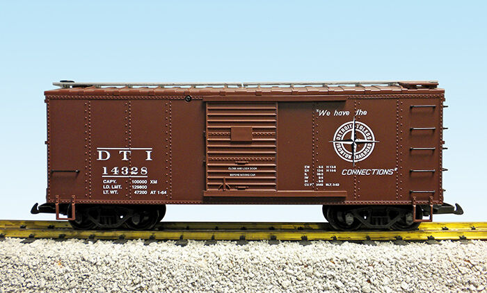 USA Trains G Scale R19111A DT&I BC Red  NEW RELEASE