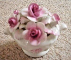 Royal-Grafton-England-porcelain-bone-china-flower-vase-flower-encrusted