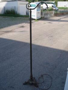 Stehlampe-Messing-Antik-Steh-Lampe