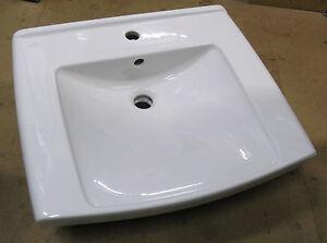 NEW-Villeroy-amp-Boch-Lifetime-600-Washbasin-incl-Shroud-White-517460-V-amp-B012