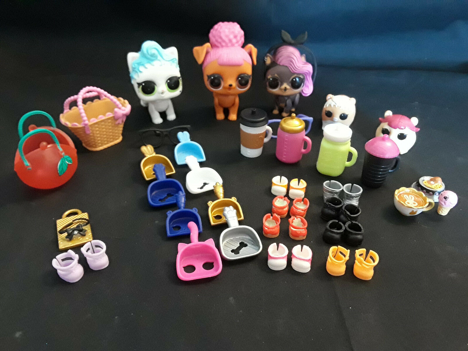L.O.L. Surprise Pets Lot Of 5 Pets With Accessories