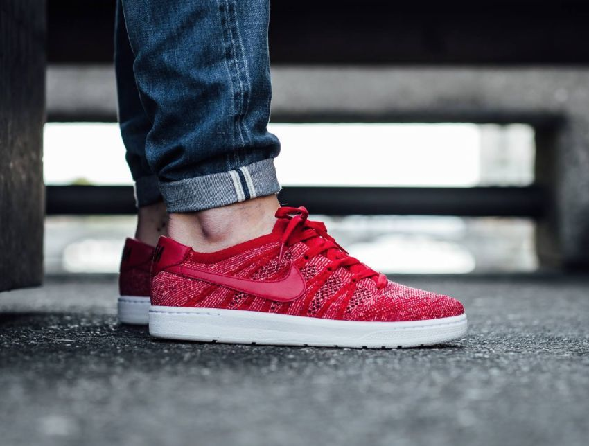 NIKE TENNIS CLASSIC ULTRA FLYKNIT Trainers Shoes Gym Casual Red - Various Sizes