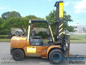 TOYOTA-5-TON-LPG-FORKLIFT-WITH-SIDE-SHIFT-AVAILABLE-FOR-PURCHASE-OR-HIRE