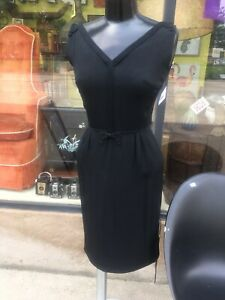 Shannon-Rodgers-Jerry-Silverman-Black-50s-Wiggle-Dress-Line-Bow-Trim