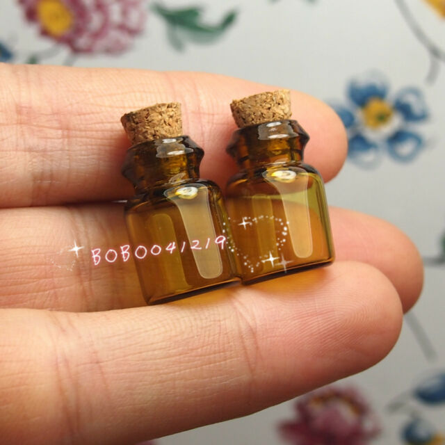 Dollhouse Miniature Toy Kitchen 2 Brown Glass Bottles With Lid H2.1cm SPO052
